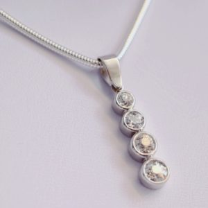 Four diamond pendant