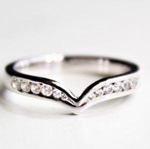 Diamond wishbone wedding band